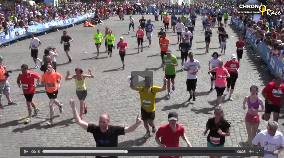 Crossing the finish (to the left side, in a Dutch orange shirt). Screenshot taken from a video from the site of the 20k of Brussels.
